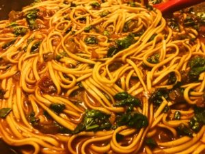 Spicy Gochujang Noodles with Veggies – Healthy Gochujang Recipe | Healthy Eats by Jennie